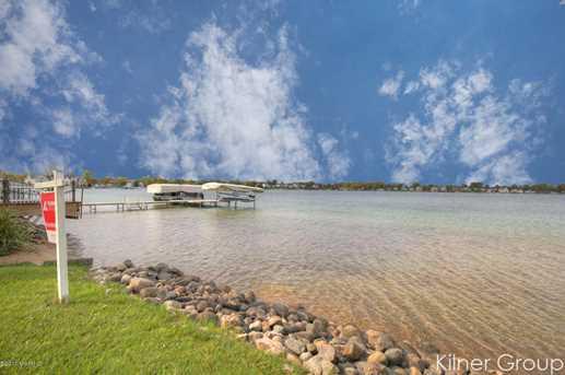 4529 E Shore Drive - Photo 3