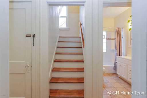704 alger street grand rapids mi 49507 mls 17054475 coldwell banker. Black Bedroom Furniture Sets. Home Design Ideas