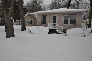 1524 Lakeview Drive - Photo 1