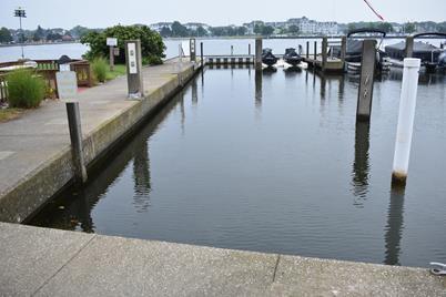 98 Harbor Drive #Slip 20 - Photo 1