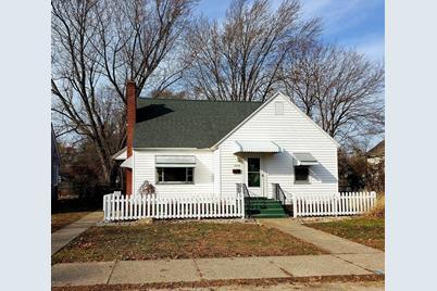 2118 Oak Avenue - Photo 1