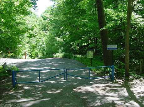 Golfmere Avenue - Photo 3