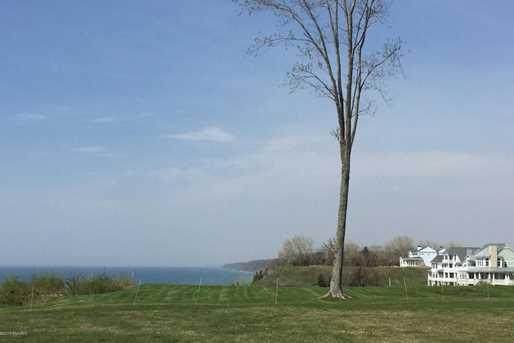 645 Lakeshore Dr - Photo 5