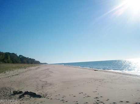 645 Lakeshore Dr - Photo 11