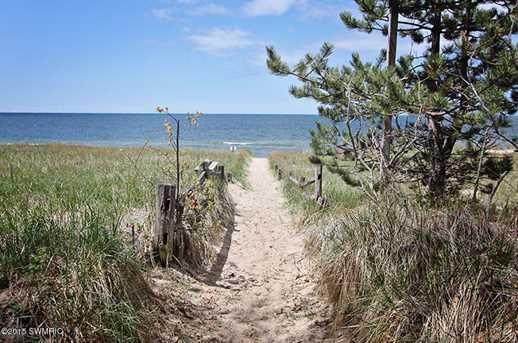 6624 Forest Beach Drive - Photo 3