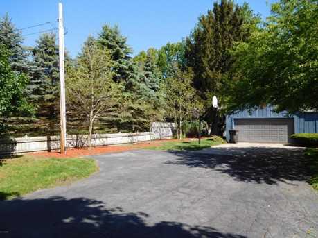 541 E Marquette Woods Road - Photo 3