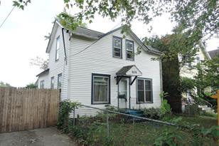 929 Clarence - Photo 1