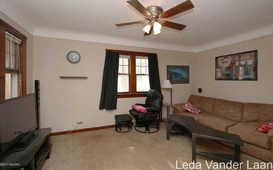2819 Charlesgate Avenue - Photo 7