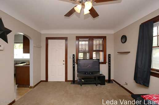 2819 Charlesgate Avenue - Photo 6