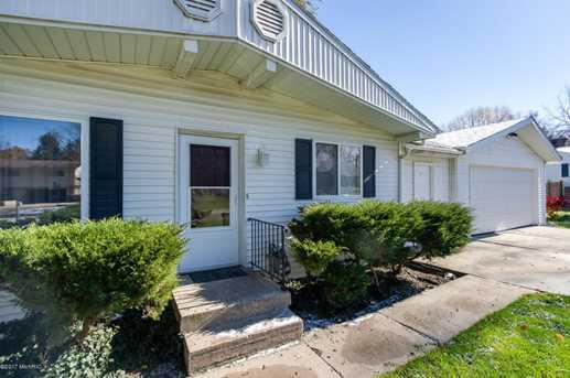 154 Ivanhoe Avenue - Photo 3
