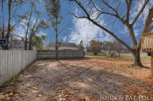 60 Maplelawn Street - Photo 24