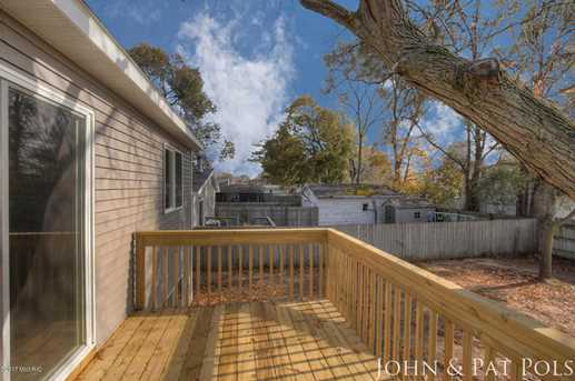 60 Maplelawn Street - Photo 23