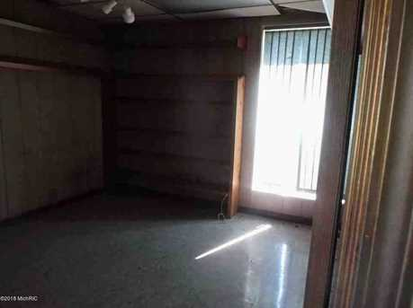 663 W Burr Oak - Photo 15