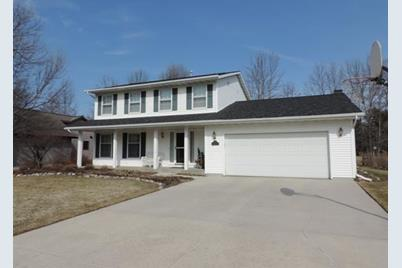 4321  Redwing Dr - Photo 1