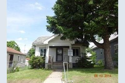 4678 N Parkway Ave - Photo 1