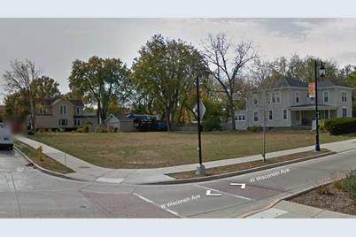 301 W Wisconsin Ave - Photo 1