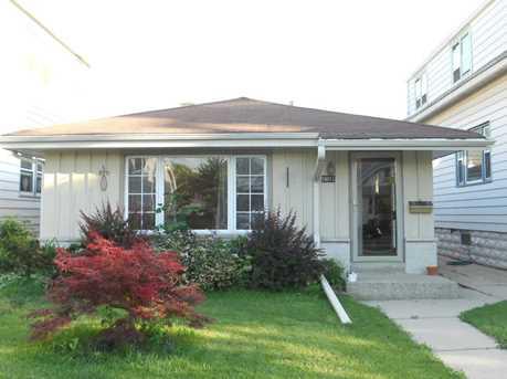 3831 E Edgerton Ave - Photo 1