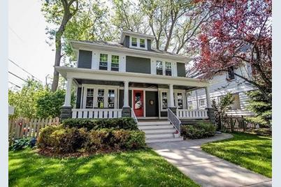 3515 N Frederick Ave - Photo 1