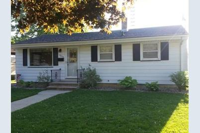 7840  32Nd Ave - Photo 1