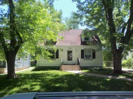 3009 W Carmen Ave - Photo 1