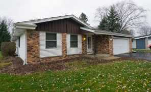 9137 N Troy Ct - Photo 1