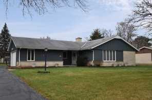 6373 W Glenbrook Rd - Photo 1