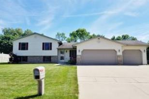 246  Connelly Dr - Photo 1
