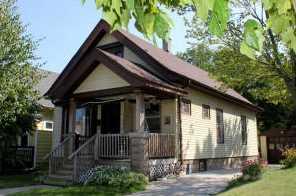 1829 E Bennett Ave - Photo 1
