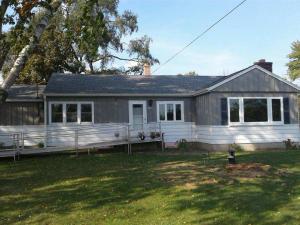 1708 W Oakwood Rd Oak Creek Wi 53154 Mls 1550994