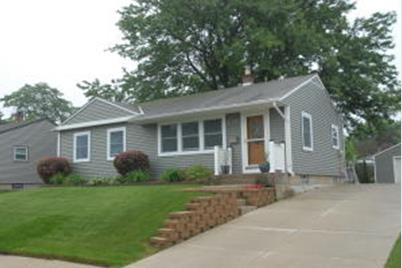 1329 Blake Ave South Milwaukee Wi 53172 Mls 1592509 Coldwell
