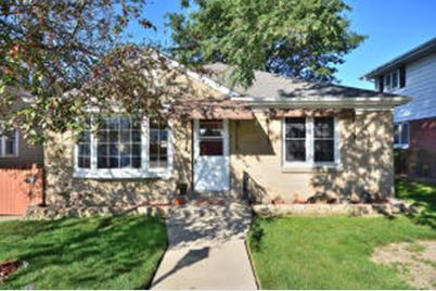 2426 5th Ave South Milwaukee Wi 53172 Mls 1607817 Coldwell Banker