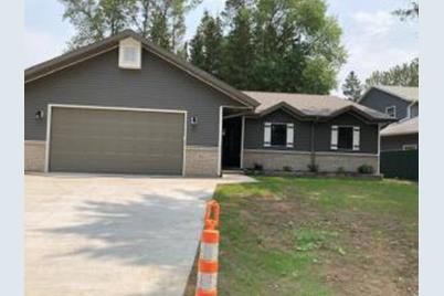 1823  Spruce Dr - Photo 1
