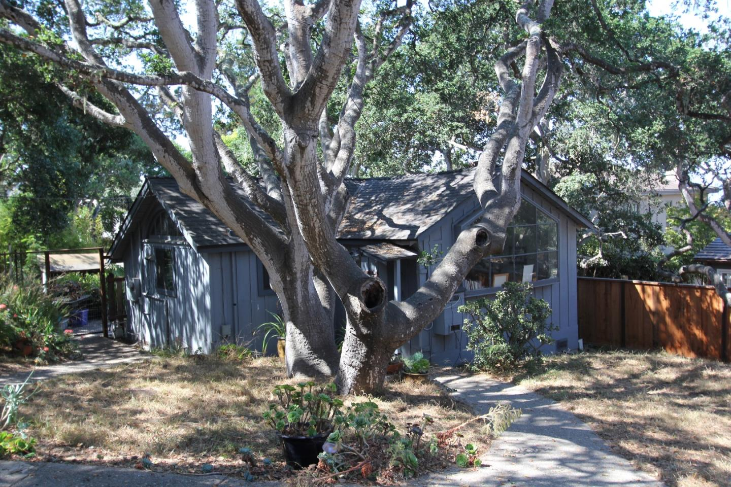 Additional photo for property listing at 0 Casanova #19  CARMEL, CALIFORNIA 93923