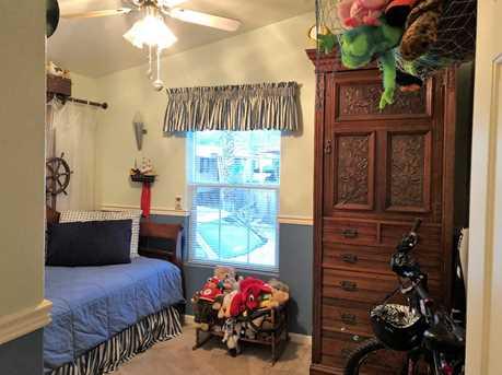 200 Burnett Ave 17 - Photo 23