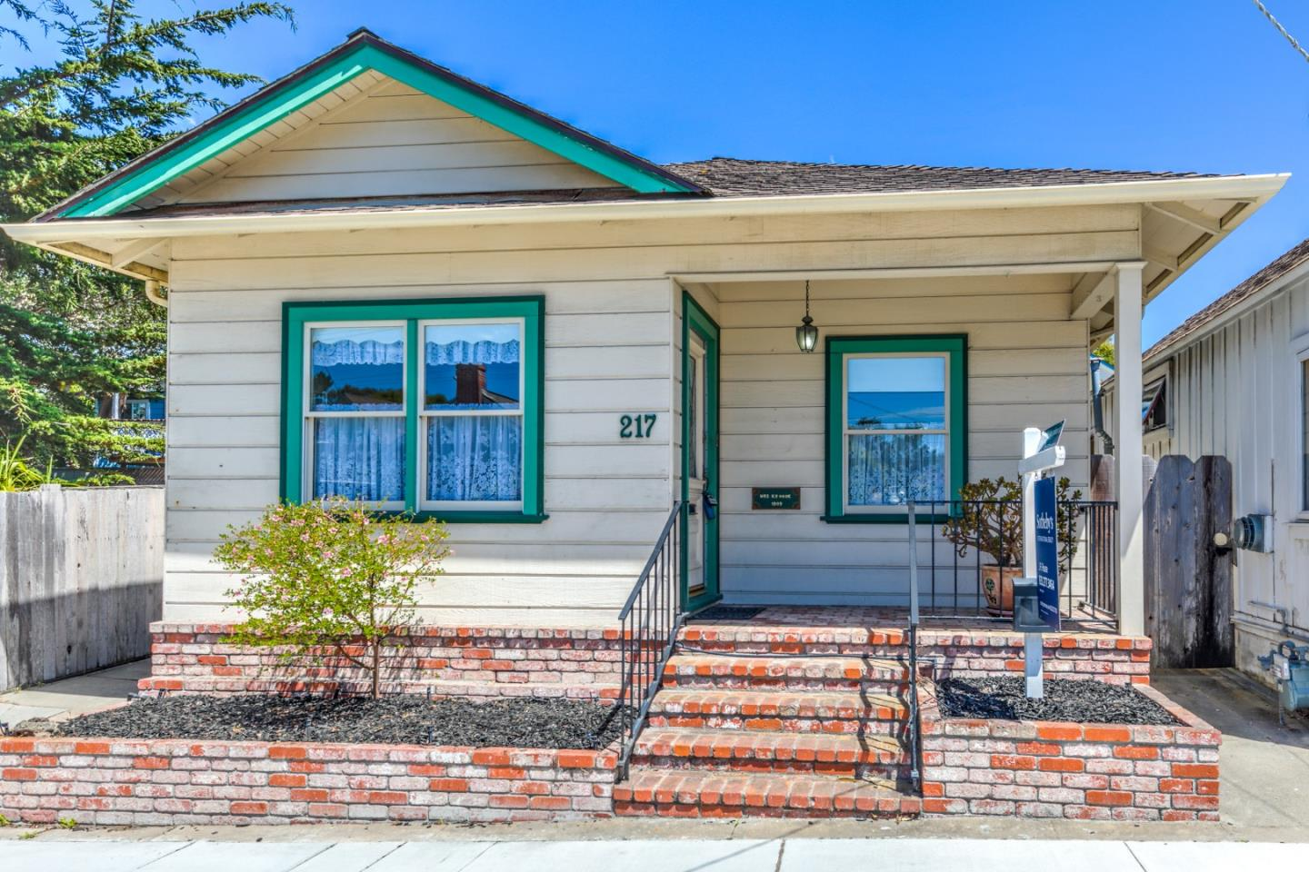 217 Park St, Pacific Grove, CA 93950 - MLS 81713618 - Coldwell Banker