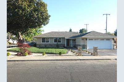 2312 Sutter Ave - Photo 1