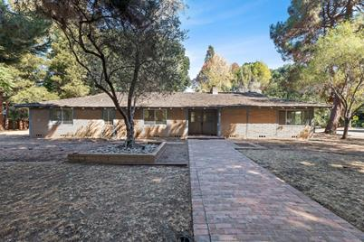 2 Lowery Dr - Photo 1