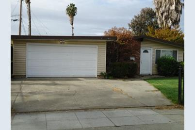 1411 Cathay Dr - Photo 1
