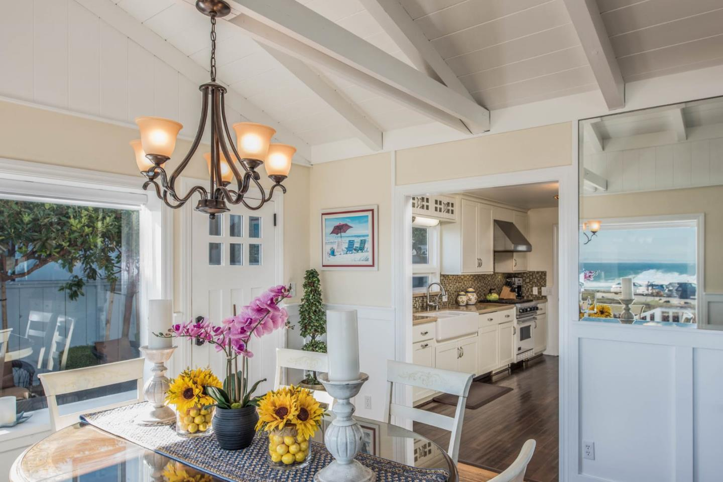 Additional photo for property listing at 929 Ocean View Blvd  PACIFIC GROVE, CALIFORNIA 93950