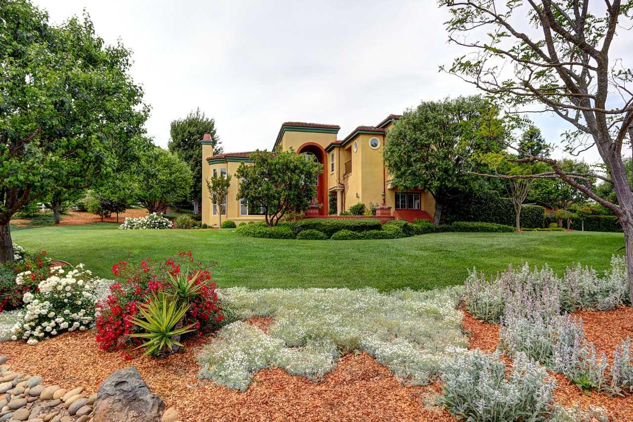Additional photo for property listing at 1055 Melchoir Ct  GILROY, CALIFORNIA 95020
