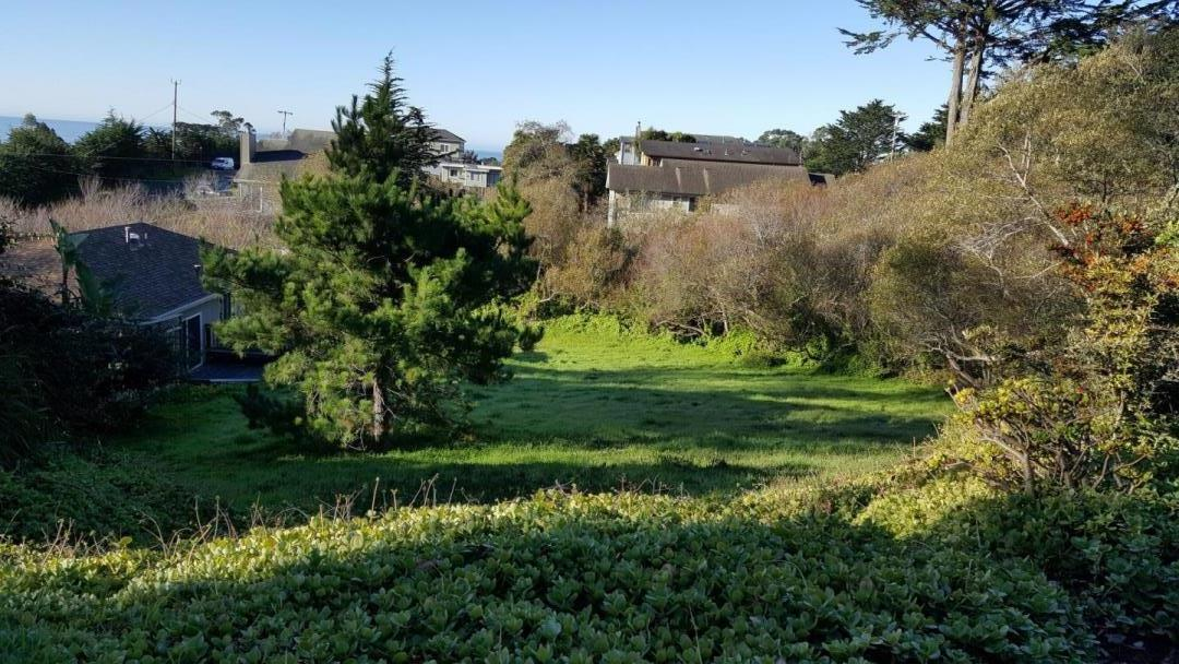 Additional photo for property listing at 576 Alto Ave  HALF MOON BAY, CALIFORNIA 94019