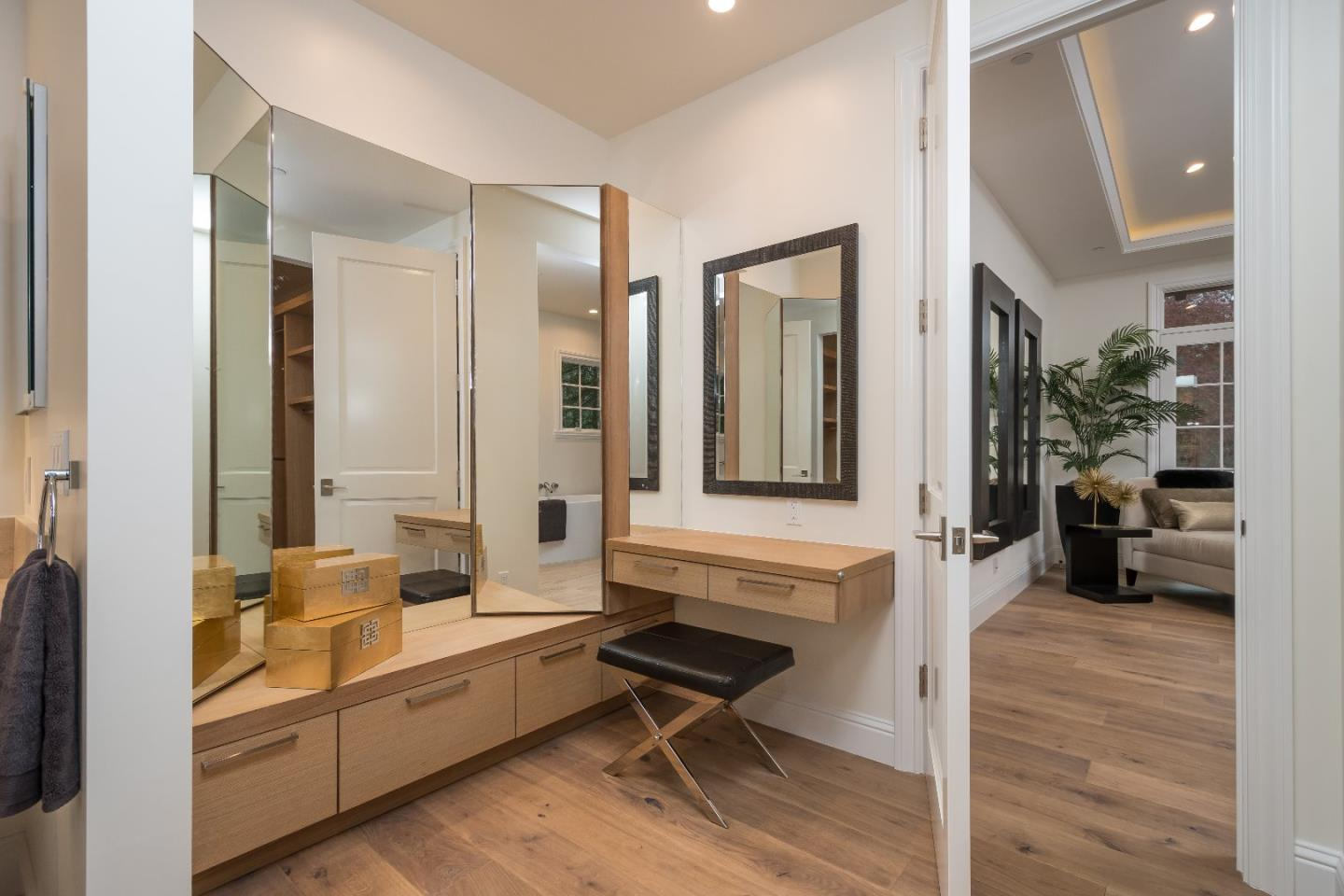 Additional photo for property listing at 1005 Black Mountain Rd  HILLSBOROUGH, CALIFORNIA 94010