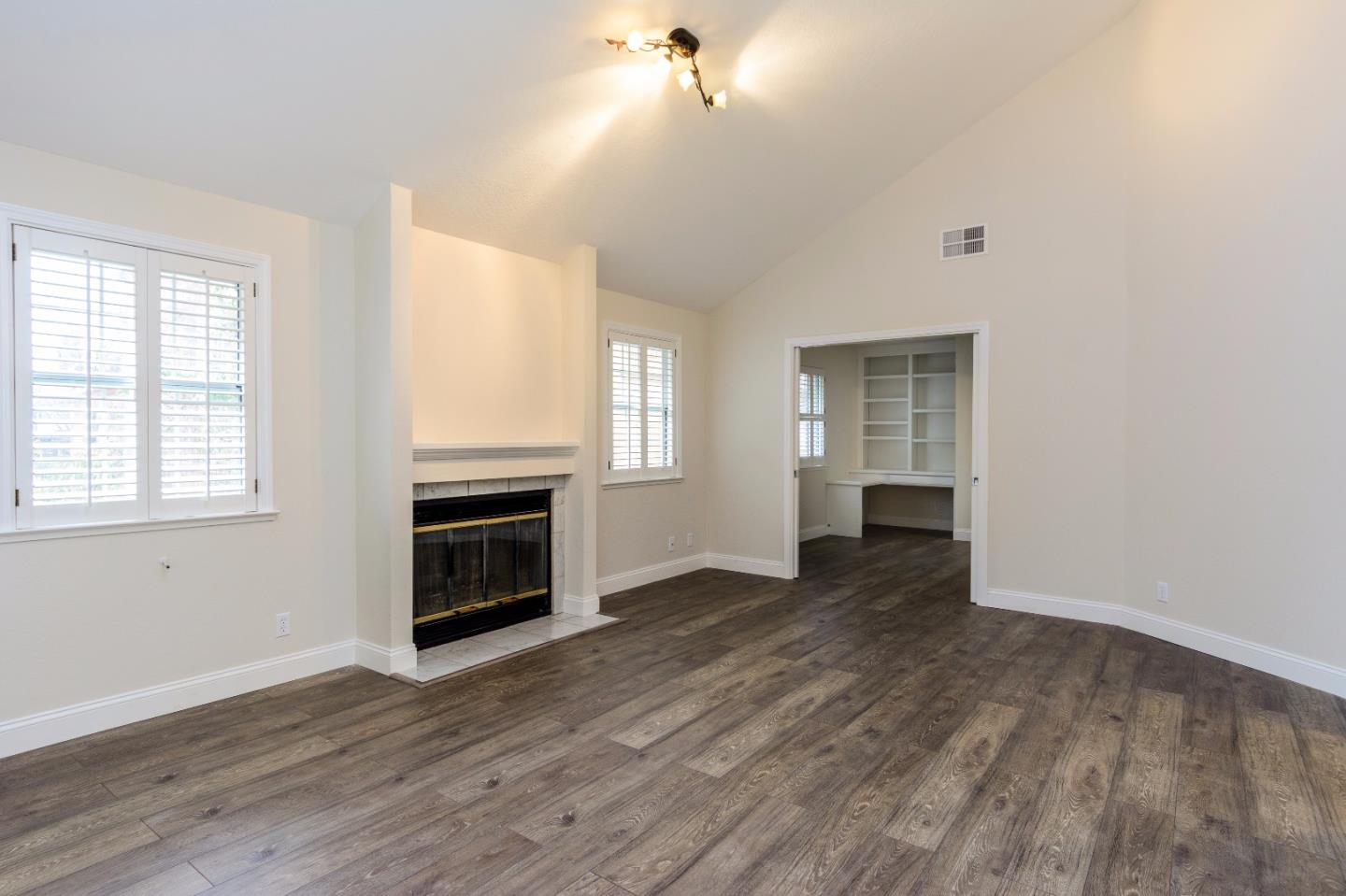 Additional photo for property listing at 470 Gabilan St 4  LOS ALTOS, CALIFORNIA 94022