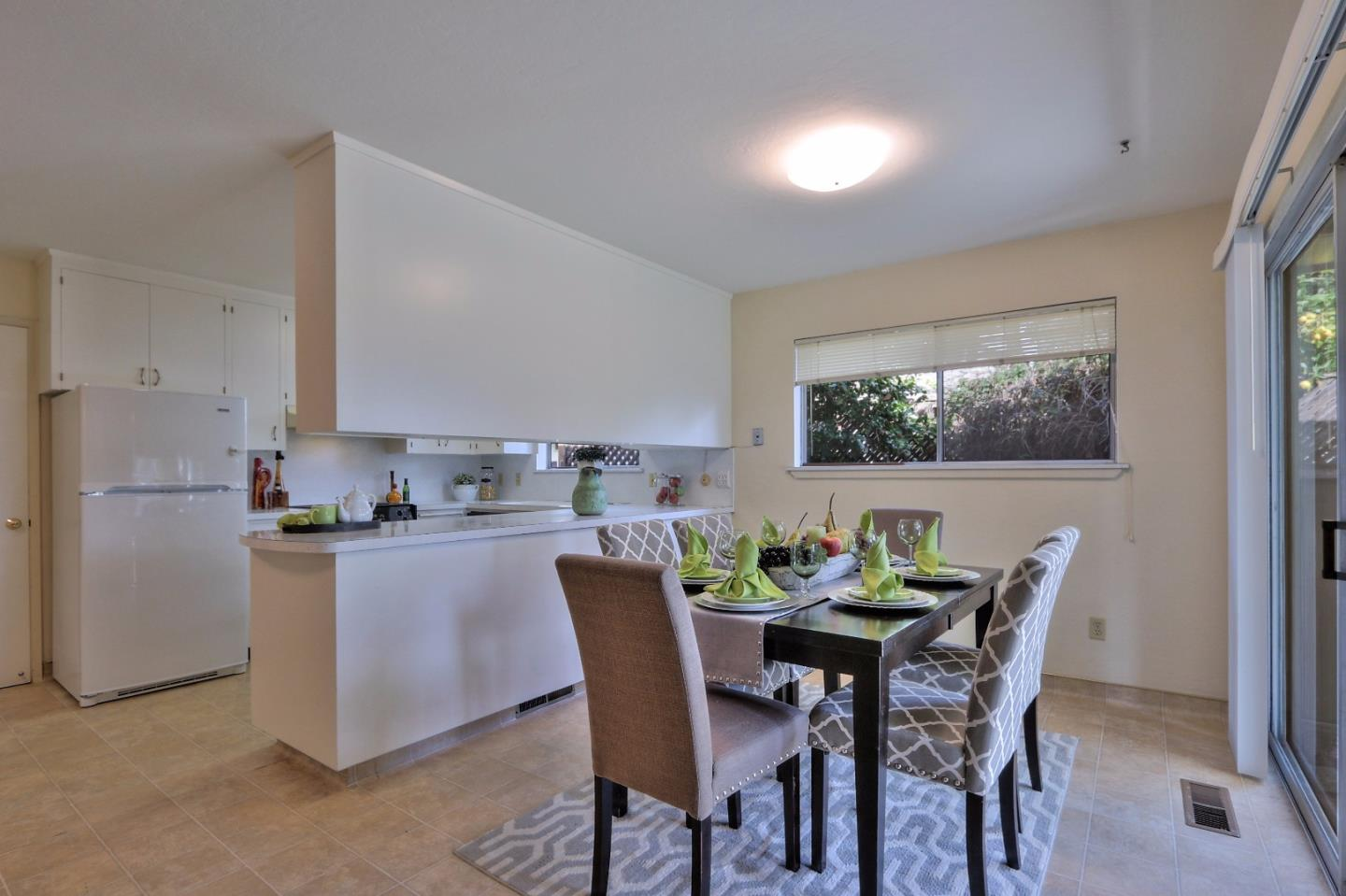 Additional photo for property listing at 624 11th Ave  MENLO PARK, CALIFORNIA 94025