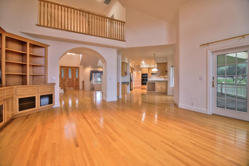 Additional photo for property listing at 10809 New Ave  GILROY, CALIFORNIA 95020