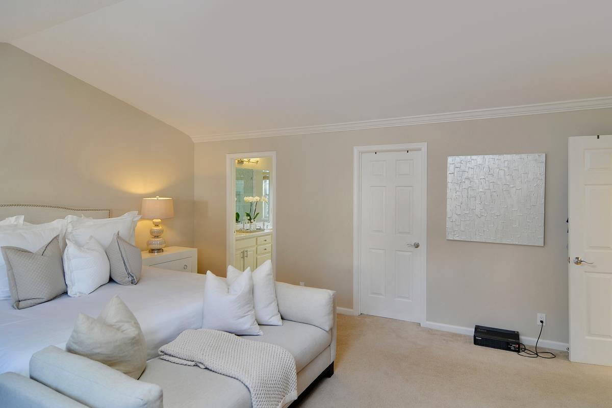 Additional photo for property listing at 3600 Highland Ave  REDWOOD CITY, CALIFORNIA 94062