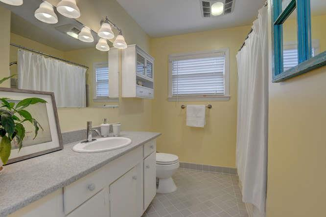 Additional photo for property listing at 450 Arbor Rd  MENLO PARK, CALIFORNIA 94025