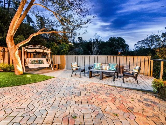 Additional photo for property listing at 220 Mistletoe Rd  LOS GATOS, CALIFORNIA 95032