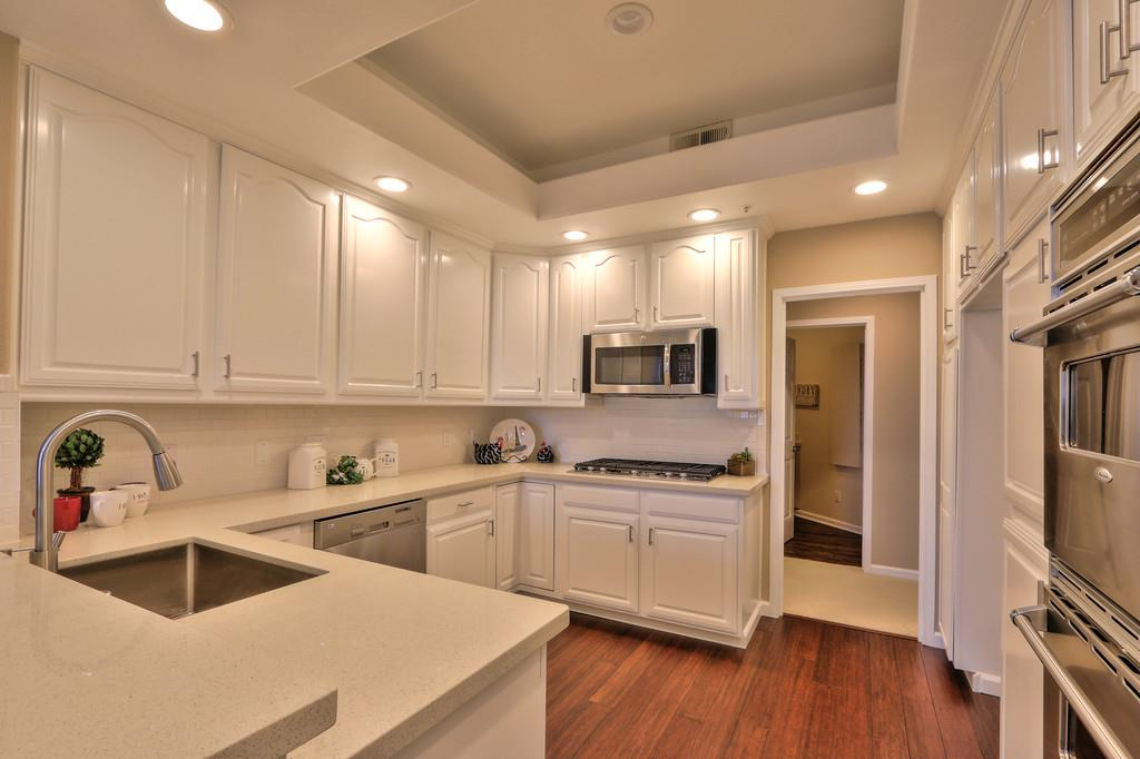 Additional photo for property listing at 700 Promontory Point Ln 1207  FOSTER CITY, CALIFORNIA 94404