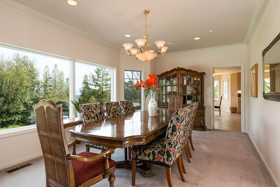 Additional photo for property listing at 982 Lakeview Way  REDWOOD CITY, CALIFORNIA 94062